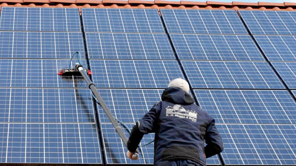 Reinigung von Photovoltaikanlagen-kassel
